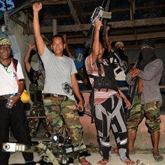 На юге Филиппин связанные с ИГ* боевики атаковали школу