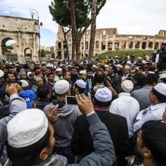 «Когда ты в Риме, поступай как римляне»: что делают в Европе для интеграции мусульман