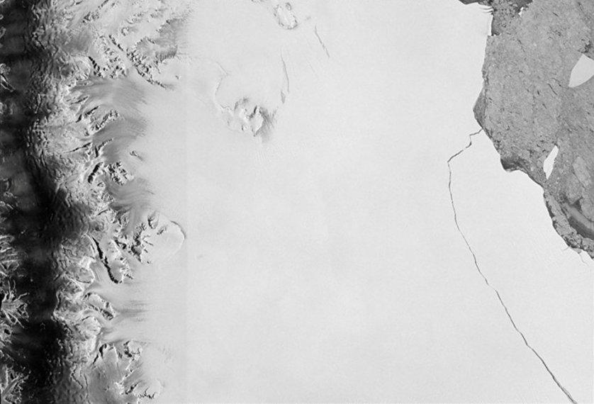 Часть самого большого из шельфовых ледников Антарктиды 10-12 июля отделилась от западного ледника Ларсен С и образовала айсберг площадью 5,8 тысячи квадратных километров.