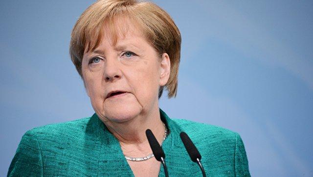 Меркель считает необходимым ужесточение мер в отношении Турции