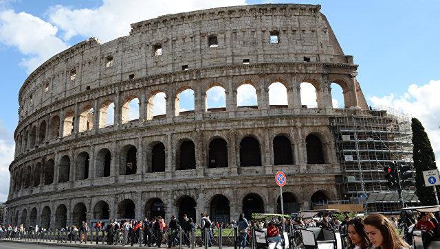 Ученые выяснили, как устроены сверхпрочные кристаллы в римском бетоне