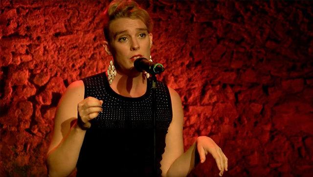 Французская певица Барбара Велденс умерла во время концерта в церкви