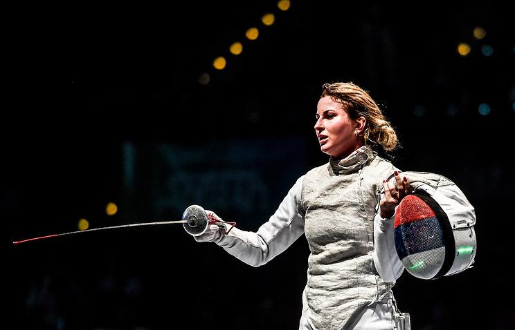 Рапиристка Дериглазова завоевала первое золото сборной России на ЧМ по фехтованию