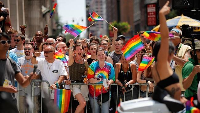 Однополые пары в Германии с октября смогут заключать «брак для всех»