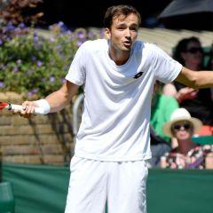 Российского теннисиста оштрафовали на «Уимблдоне» за бросание монет в судью