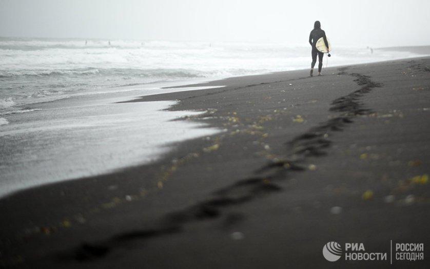 Камчатка - это единственное место в России где можно круглогодично заниматься серфингом благодаря тому, что полуостров омывается Тихим океаном.