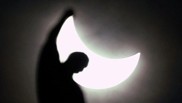 Врачи рассказали о влиянии солнечного затмения на организм