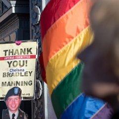 Пентагон продлил службу трансгендеров в войсках на неопределенный срок