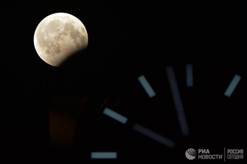 На территории России его можно было видеть с 20:24 до 22:19 по московскому времени.