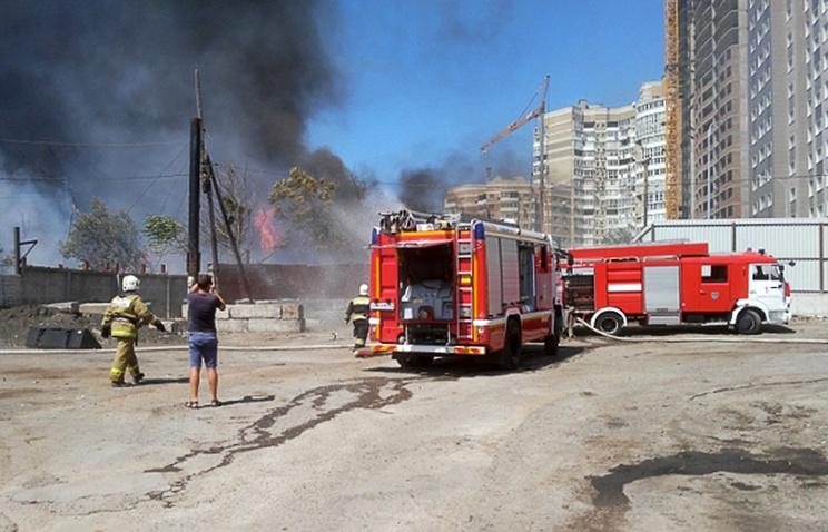 Город остановился: крупный пожар парализовал движение в Ростове-на-Дону