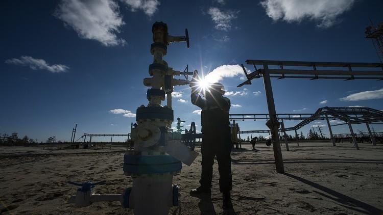 روسيا تحتفط بصدارة موردي النفط للصين