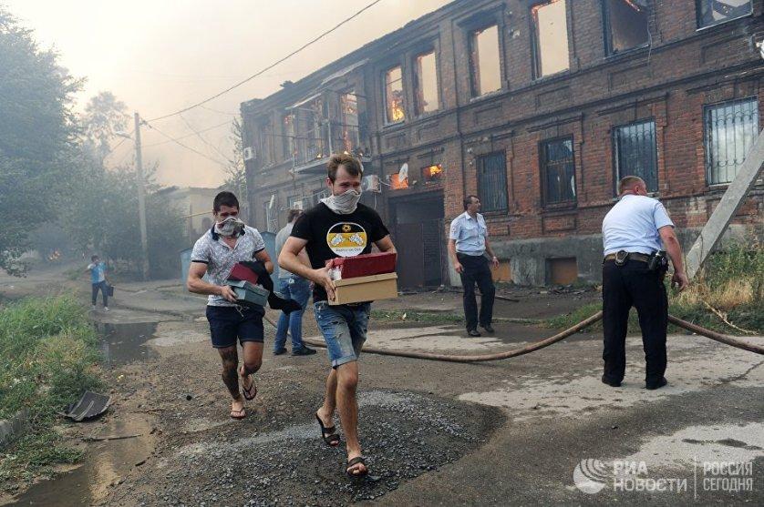 В Ростове-на-Дону были развернуты шесть пунктов временного размещения для пострадавших от пожара.