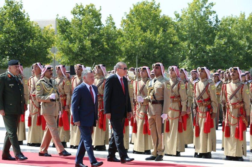 أردوغان يصل عمان في زيارة رسمية يلتقي خلالها عاهل الأردن