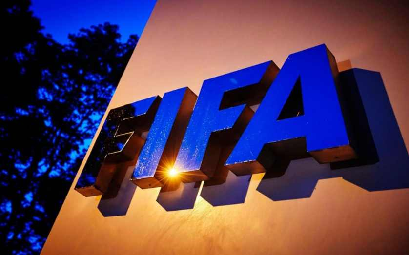 ФИФА назвала 12 претендентов на звание лучшего тренера года в мире