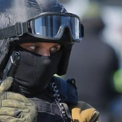 ФСБ пресекла деятельность международной группировки по производству наркотиков