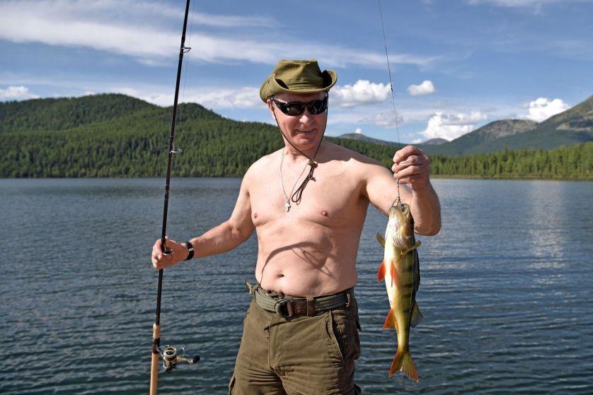 Rai Al Youm: Путин ловит рыбу и проводит свой летний отпуск в Сибири. Почему бы и нет?