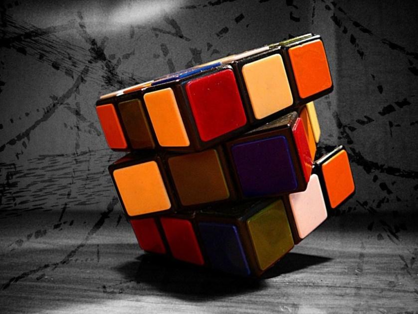 В Японии поступил в продажу кубик Рубика из сушеного мяса