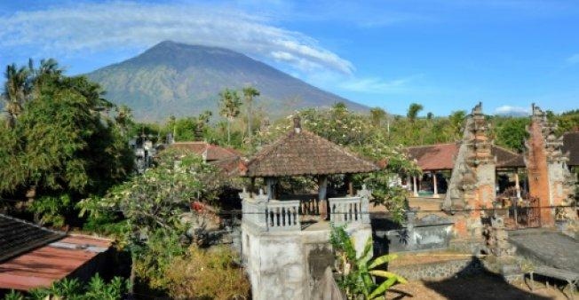 مساعدة طارئة لأكثر من 75 ألفا تم إجلاؤهم خوفا من ثوران بركان بالي
