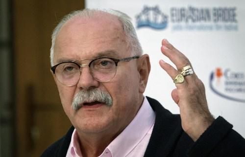 Михалков не считает проблемой, что его письмо о выходе из Фонда кино появилось в интернете