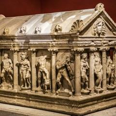 Саркофаг Геракла спустя 57 лет вернулся в Анталью