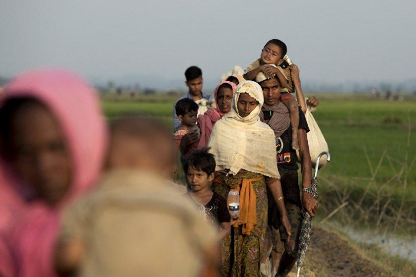 Представители народности рохинджа на границе Бангладеш и Мьянмы.