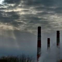Росприроднадзор проверяет слив отходов в озеро возле завода синтетического каучука в Омске