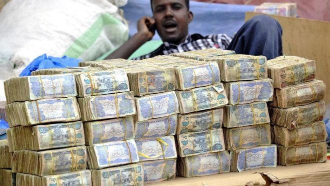أرض الصومال: المكان الذي أوشكت فيه النقود على الانقراض