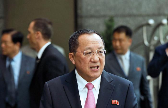 Глава МИД КНДР заявил о праве Пехньяна сбивать военные самолеты США