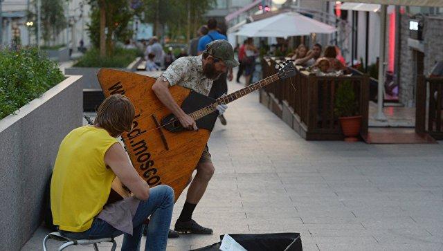 Сколько на самом деле зарабатывают уличные музыканты