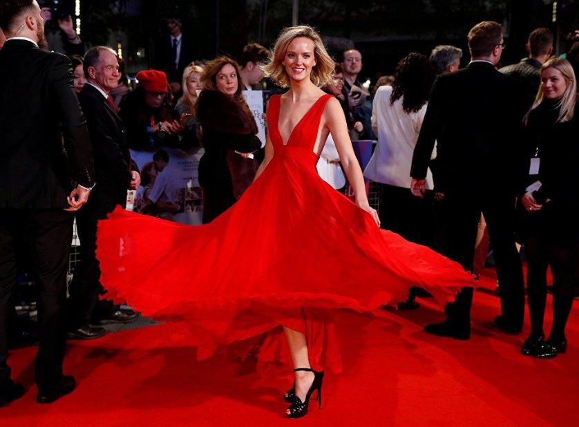 Актриса Шарлотта Кэрролл на красной дорожке Лондонского кинофестиваля.
