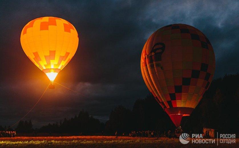 """Участники фестиваля воздушных шаров """"SkyFlyFest 2017"""" в Ивановской области."""