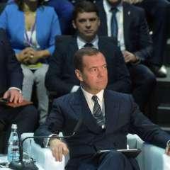 مدفيديف يعلن عدم ترشحه للرئاسة الروسية في 2018
