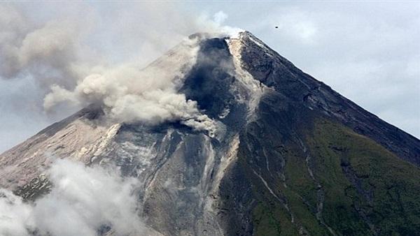"""الفلبين تحذر من ثورة بركان محتملة """"خلال أسابيع أو أيام"""""""