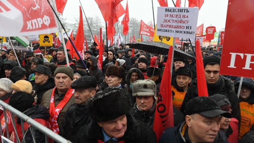 Communists propose confiscation of property to boost Russian economy