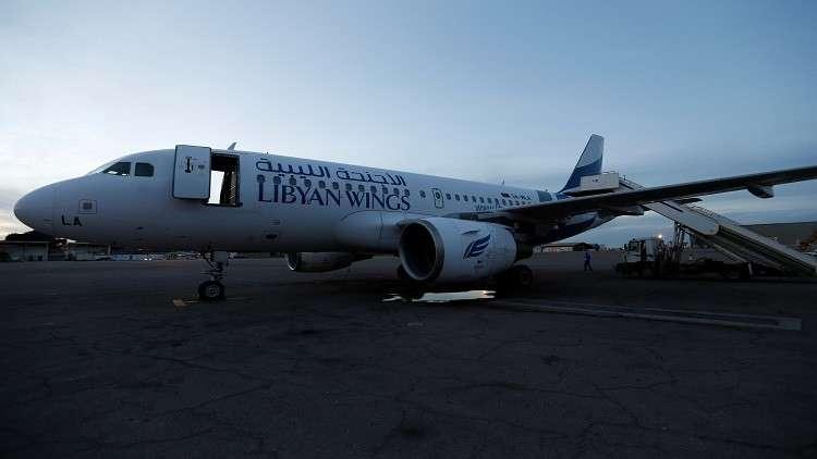 """قذائف """"البقرة"""" تصيب طائرة في مطار معيتيقة بليبيا"""