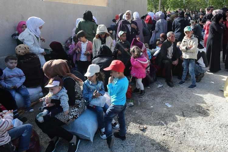 خبراء اقتصاديون: مصر تواجه مخاطر بعد تخفيضات حادة للدعم