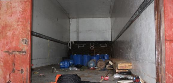 وفاة 8 مهاجرين داخل شاحنة بليبيا