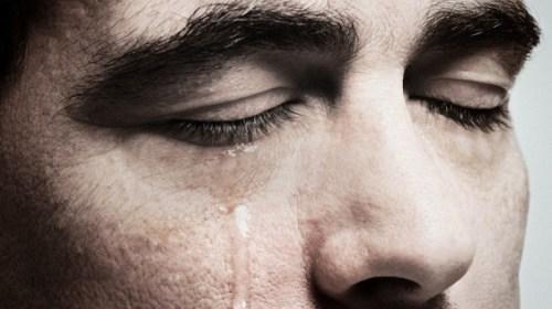 Ученые назвали плач лекарством от сердечного приступа