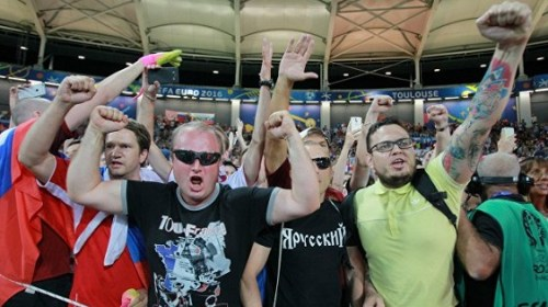"""Би-би-си показал фильм """"Армия российских хулиганов"""" о футбольных фанатах"""