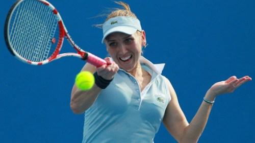 Веснина вышла в четвертьфинал турнира в Индиан-Уэллсе, обыграв Кербер