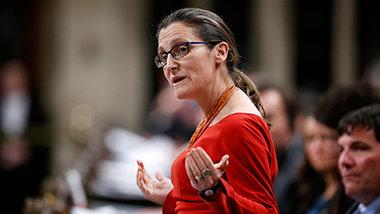 Глава МИД Канады обвинила Россию в публикации дезинформации о ее семье