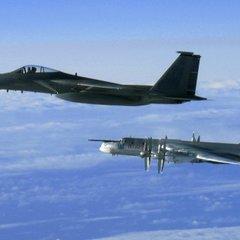 Канадские ВВС сопроводили российские бомбардировщики у Аляски