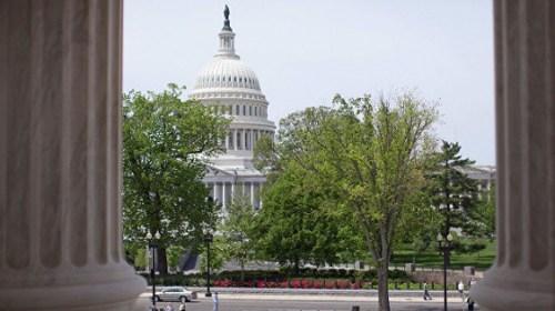 В зданиях американского сената задержали более 150 демонстрантов