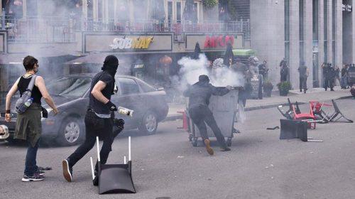Антифашисты напали на акцию ультраправых в Квебеке