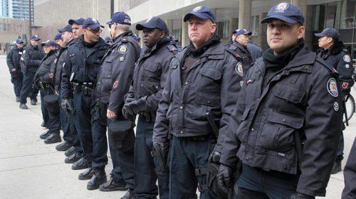 Более 40 человек задержаны на акции ультраправых в Квебеке