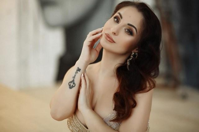 Nina russian datingvom