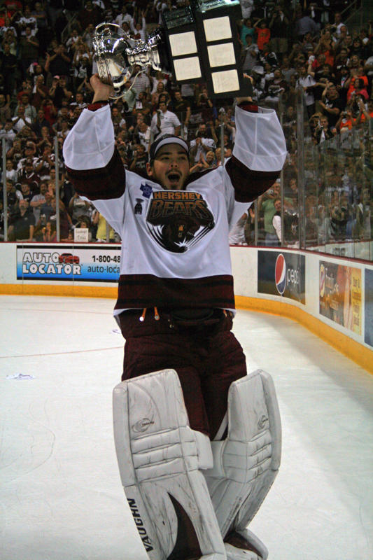 Michal Neuvirth Raises the 2010 Calder cup