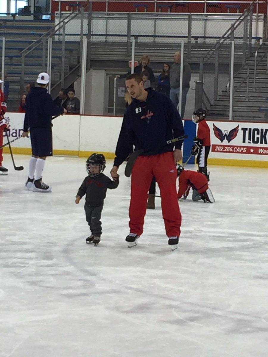 beagle-kid-family-skate