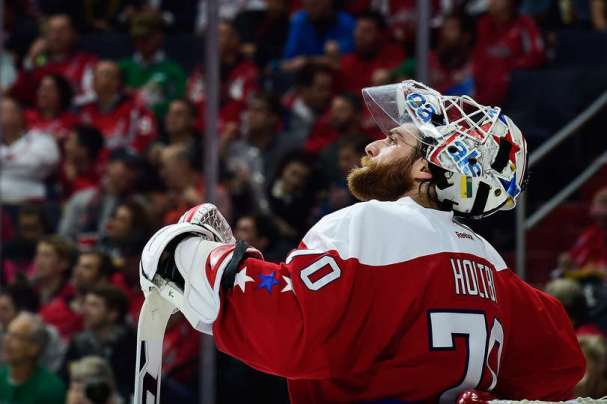 braden-holtby-wins-record