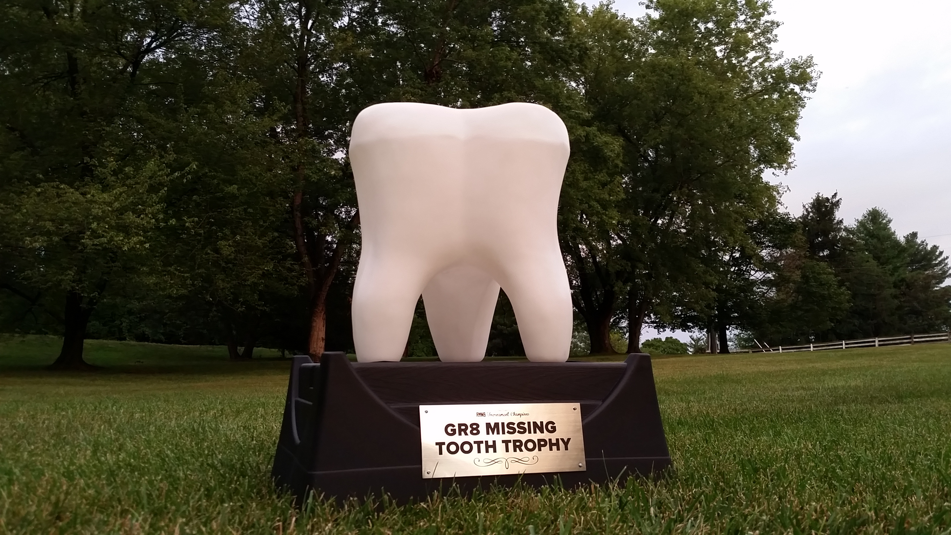 gr8-missing-tooth-trophy-medium